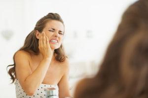 коньяк поможет справиться с резкой зубной болью