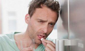 Прием таблетки при похмелье